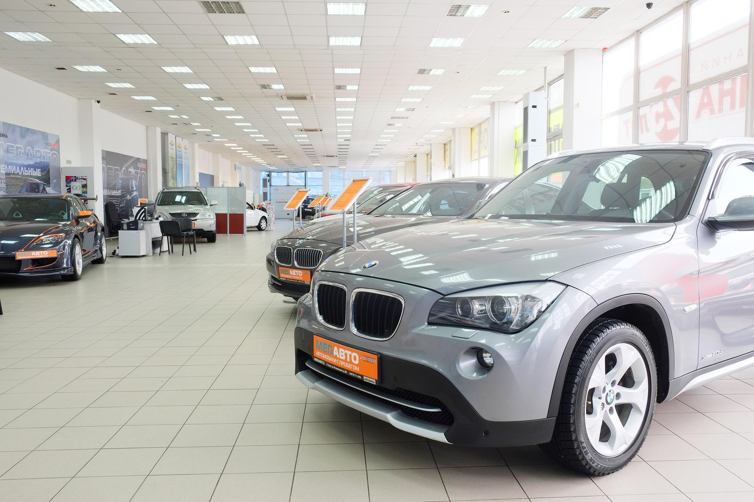 Compro un coche nuevo o me decido por los coches de segunda mano - Puertas de cochera segunda mano ...