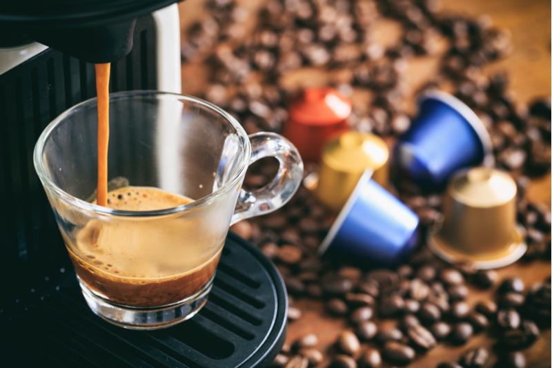 Cafetera y cápsulas de cafe