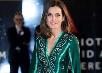 La reina Letizia vuelve a marcar estilo con prendas de Zara